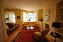 2 bedroom Flat in Barrowgate Road...