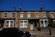 2 bedroom house in Lateward Road, Brentford...