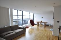 2 bed Duplex to rent in Town Meadow, Brentford...
