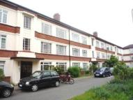 2 bed Flat in Manor Vale, Brentford...
