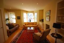 Flat to rent in Barrowgate Road...