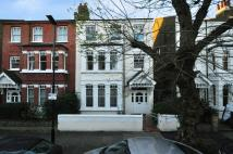 1 bed Flat to rent in Ennismore Avenue, London...