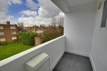 2 bedroom Flat to rent in Esmond Road, Chiswick, W4