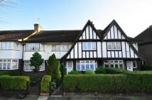 3 bedroom house in Monks Drive, Acton, W3