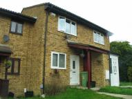 2 bed property in Wren Close, Orpington...