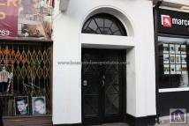 2 bedroom Flat in The Market Place...