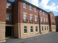 2 bedroom Flat to rent in Farnley Road...