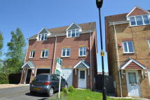 semi detached house to rent in Walstow Crescent...