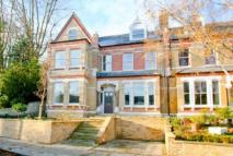 5 bedroom home in Mycenae Road, Blackheath...