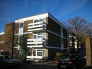 3 bed Flat in Greyladies Gardens...