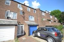 4 bedroom Town House to rent in Blackthorn Street, E3