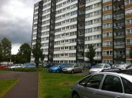 Flat to rent in Haynes Park Court...