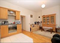 Flat to rent in Sevington Street, London...