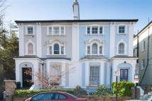 2 bedroom Flat in Abbots Place, London, ...