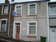 3 bed Terraced property in Sunnybank Street...
