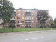 Flat to rent in Queensway, Oldbury