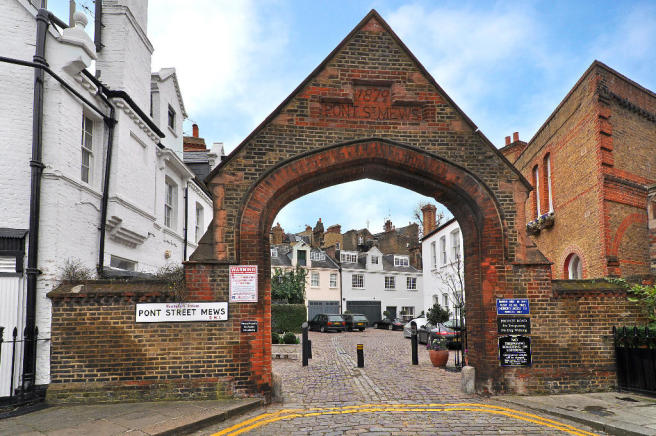 Entrance to Mews