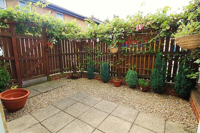 Private Rear Patio Style Garden