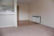 1 bed Flat to rent in Ash Walk, Wembley HA0 3