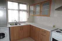 Flat to rent in Oxgate Gradens...