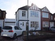 3 bed semi detached property to rent in Valley Drive, Kingsbury...
