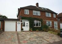4 bedroom semi detached home in Valley Walk...