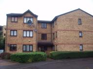 Ground Flat in Gartons Close, ENFIELD...
