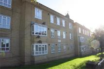 2 bed Flat to rent in Burnt Oak Broadway...