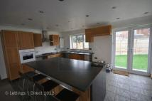 4 bedroom Detached Bungalow to rent in Hamtun Crescent, Totton...