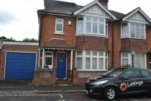 4 bedroom semi detached house to rent in Brighton Road...