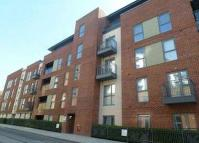 Flat to rent in John Thornycroft Road...