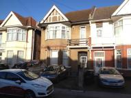 Flat to rent in Melfort Road...