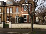Maisonette to rent in Elmcourt Road...