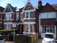 2 bedroom Flat in Beauval Road...