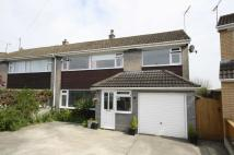 5 bed semi detached home in Hardens Mead, Chippenham...