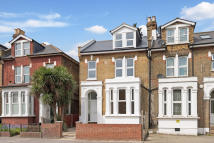 2 bed Apartment to rent in Lordship Lane, London...