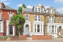 Studio flat to rent in Lordship Lane, London...