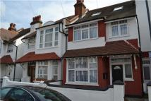 Flat to rent in Thirsk Road, MITCHAM...