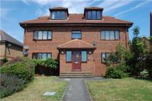 Flat to rent in Blackfen Road, SIDCUP...