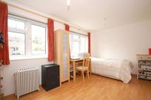 Studio apartment in College Gardens, Tooting