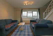 2 bedroom Flat to rent in Crossleigh Court...