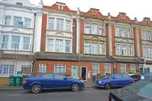 Flat to rent in Grenfell Road, Tooting
