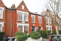 3 bedroom Flat to rent in Huron Road, Balham