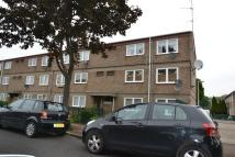 1 bedroom Flat to rent in Mortlake Road, London