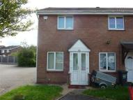 Terraced house to rent in Chadshunt Close...