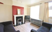3 bed Terraced house to rent in Cecil Square, Sheffield...