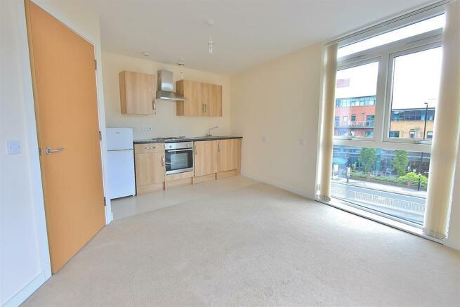 Living area angle 3