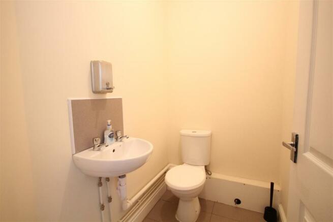 106 Mill Lane wc