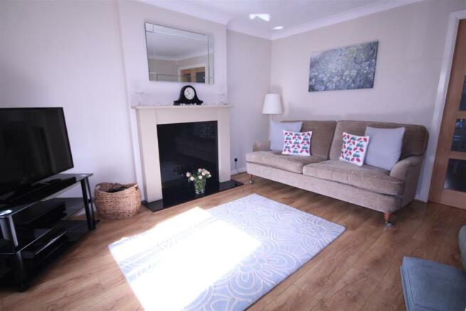 Topcliffe Gr lounge1