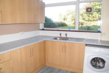 2 bed Flat to rent in River Court, Wanstead E11